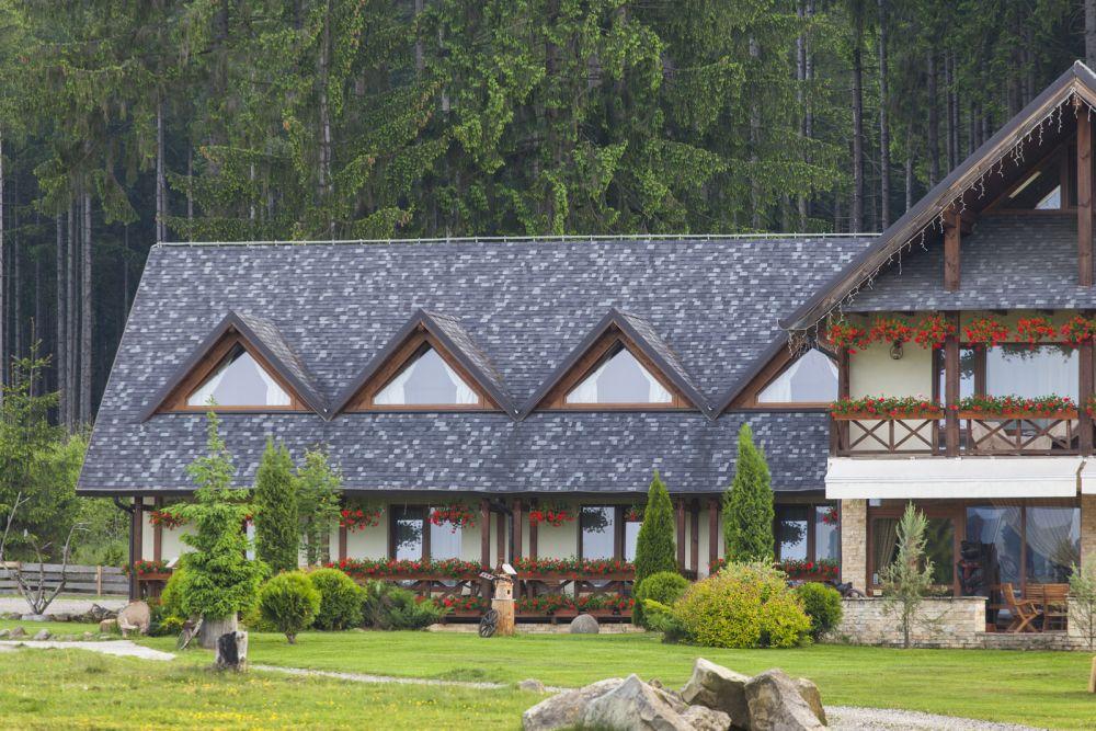 adelaparvu.com despre Tegola pentru acoperisuri in stil traditional, proiect casa Arh Olteanu, Foto Tegola