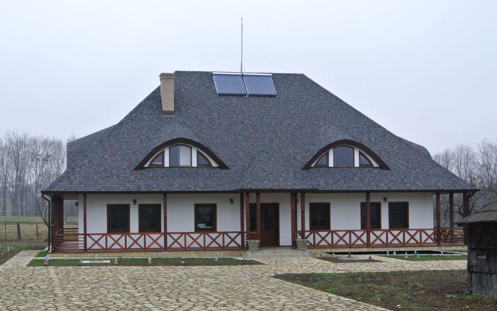 adelaparvu.com despre acoperisuri in stil traditional Tegola, casa Bucovina, Foto Tegola (1)