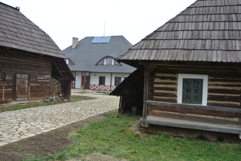 adelaparvu.com despre acoperisuri in stil traditional Tegola, casa Bucovina, Foto Tegola (3)