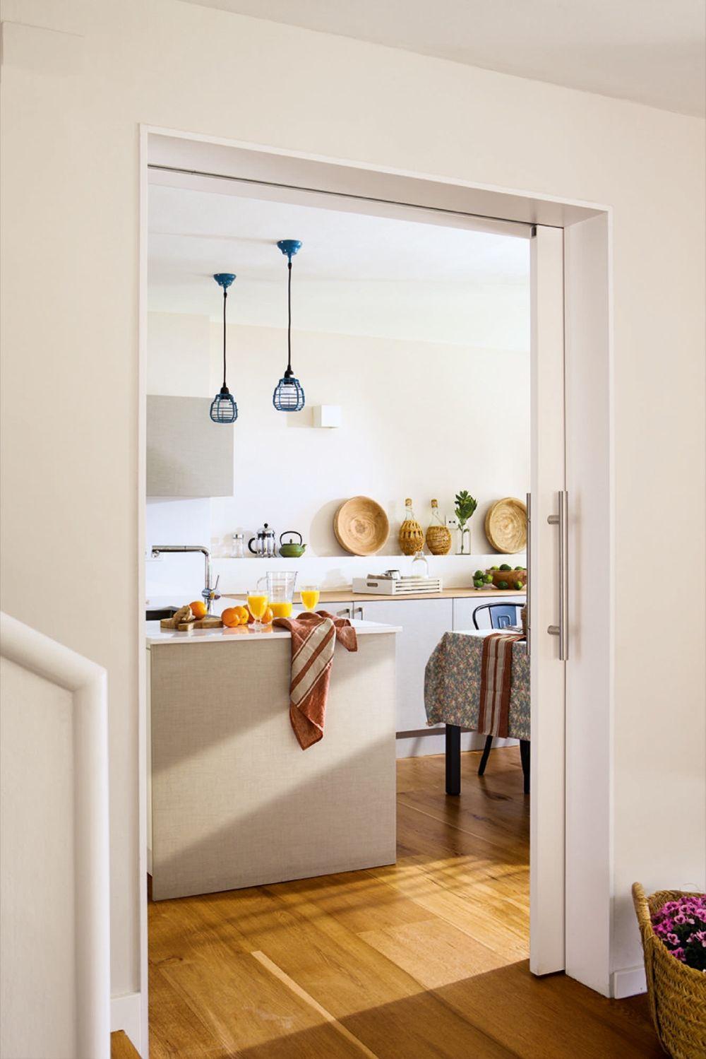 adelaparvu.com despre casa cu gradina, accente marine, designer Jeanette Dresing, Foto Feran Freixa (10)