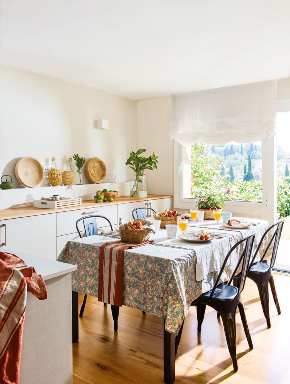 adelaparvu.com despre casa cu gradina, accente marine, designer Jeanette Dresing, Foto Feran Freixa (11)