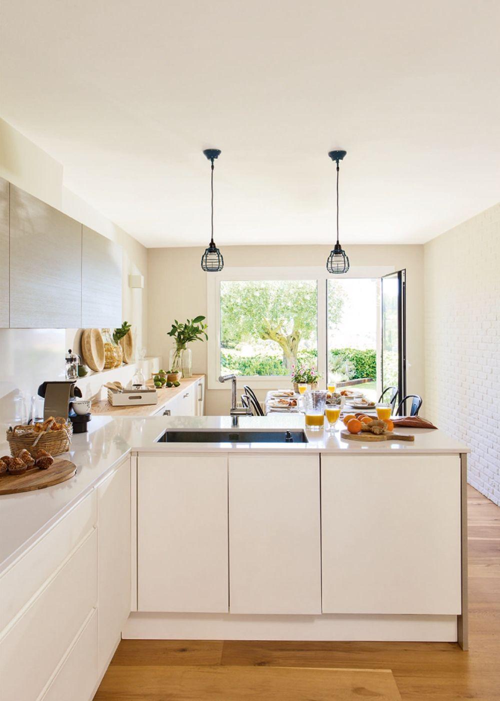 adelaparvu.com despre casa cu gradina, accente marine, designer Jeanette Dresing, Foto Feran Freixa (12)