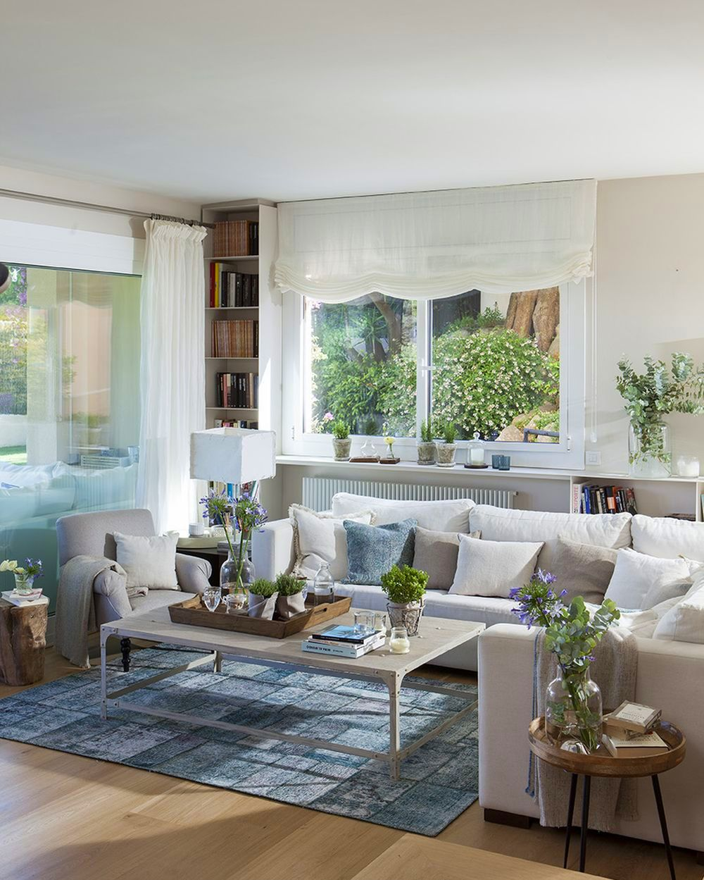 adelaparvu.com despre casa cu gradina, accente marine, designer Jeanette Dresing, Foto Feran Freixa (2)