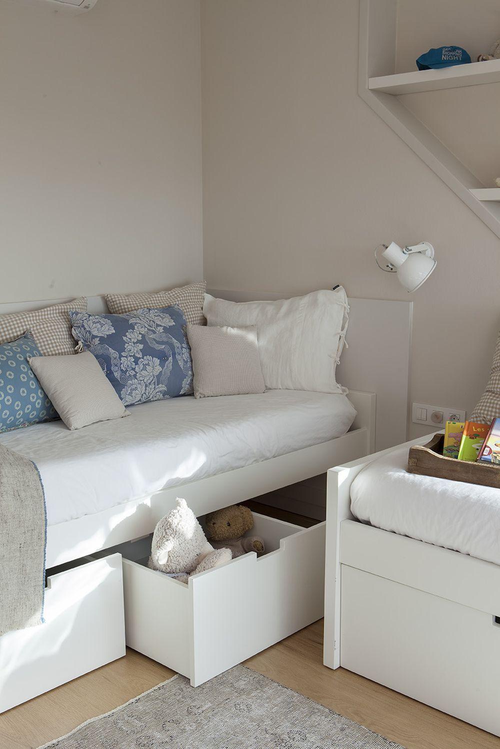 adelaparvu.com despre casa cu gradina, accente marine, designer Jeanette Dresing, Foto Feran Freixa (28)