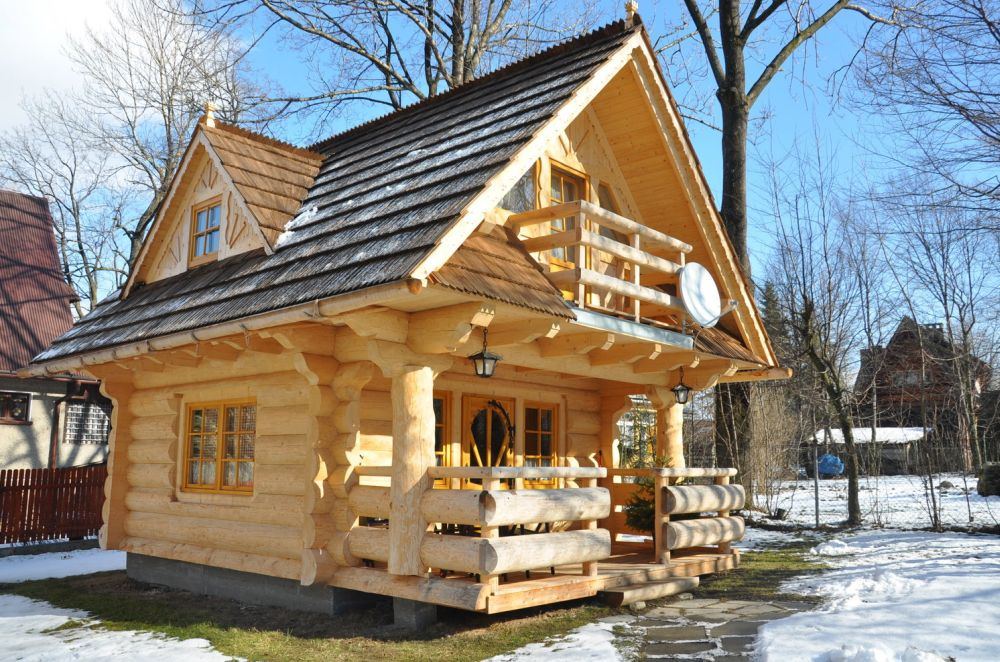 adelaparvu.com despre casa de vacanta din barne lemn, 52 mp, Design si foto The Little Log House Company, Polonia