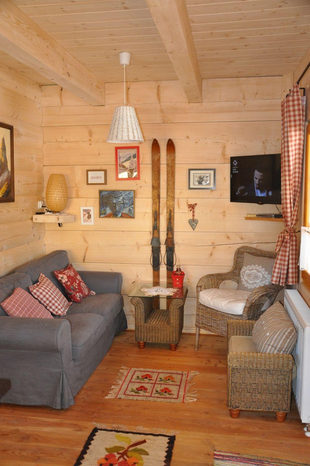 adelaparvu.com despre casa de vacanta din barne lemn, 52 mp, Design si foto The Little Log House Company, Polonia (13)