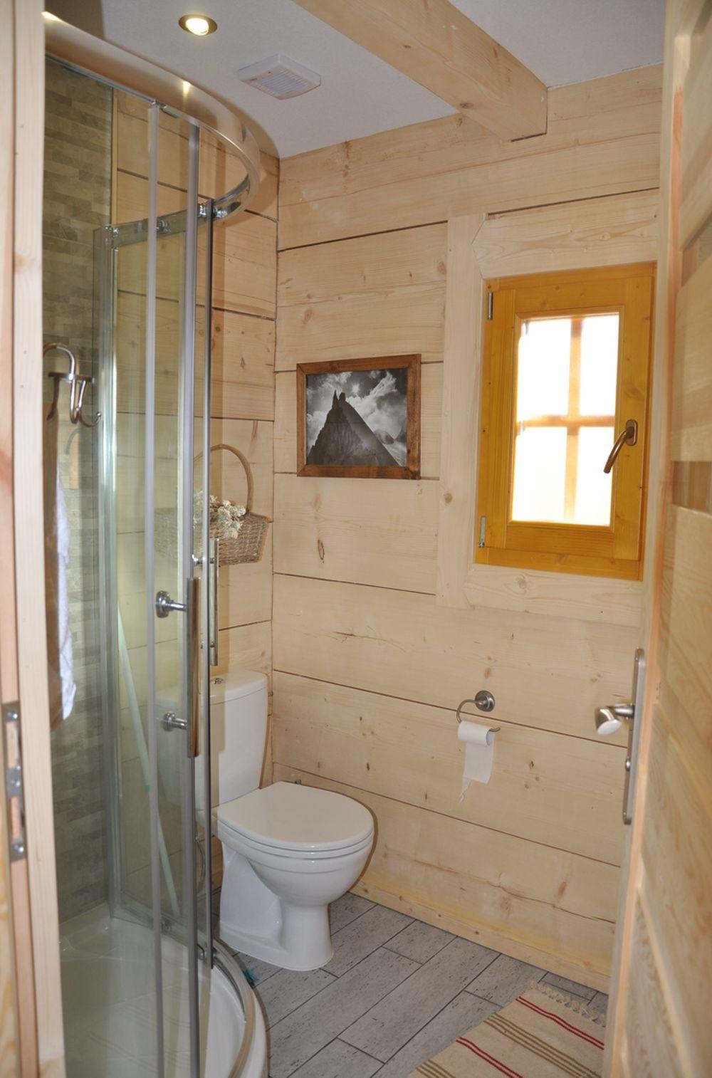 adelaparvu.com despre casa de vacanta din barne lemn, 52 mp, Design si foto The Little Log House Company, Polonia (14)