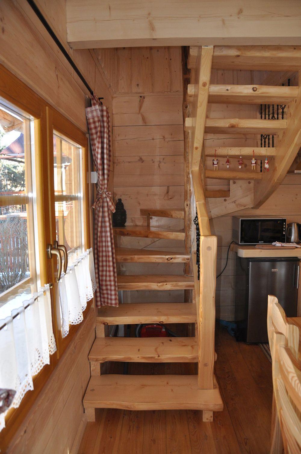 adelaparvu.com despre casa de vacanta din barne lemn, 52 mp, Design si foto The Little Log House Company, Polonia (15)