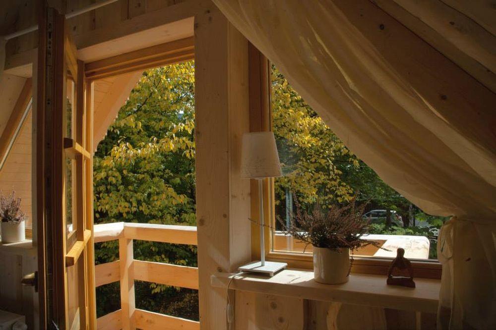 adelaparvu.com despre casa de vacanta din barne lemn, 52 mp, Design si foto The Little Log House Company, Polonia (3)