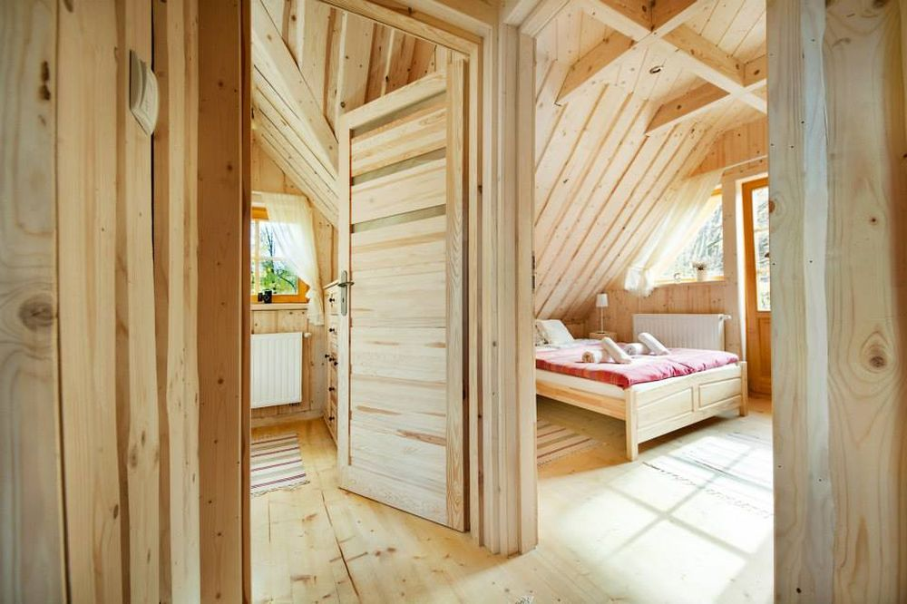adelaparvu.com despre casa de vacanta din barne lemn, 52 mp, Design si foto The Little Log House Company, Polonia (5)