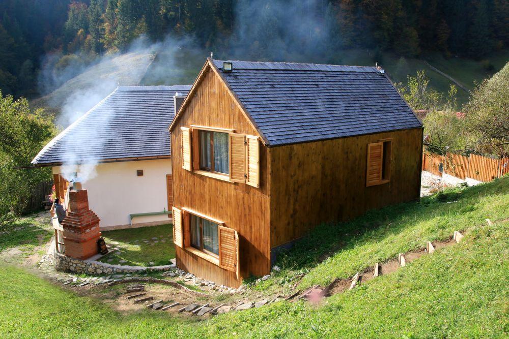 adelaparvu.com despre casa traditional romaneasca Dambovicioara, judetul Arges, arh. Sorin Istudor, designer Marinela Filip (13)