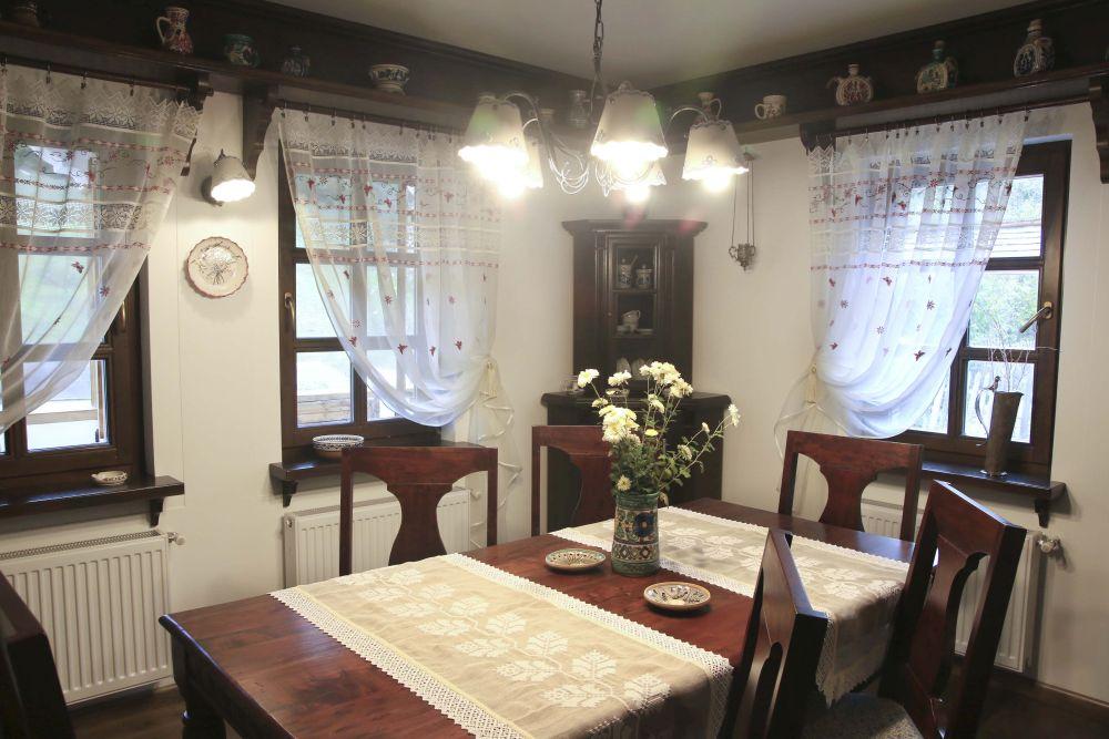 adelaparvu.com despre casa traditional romaneasca Dambovicioara, judetul Arges, arh. Sorin Istudor, designer Marinela Filip (33)