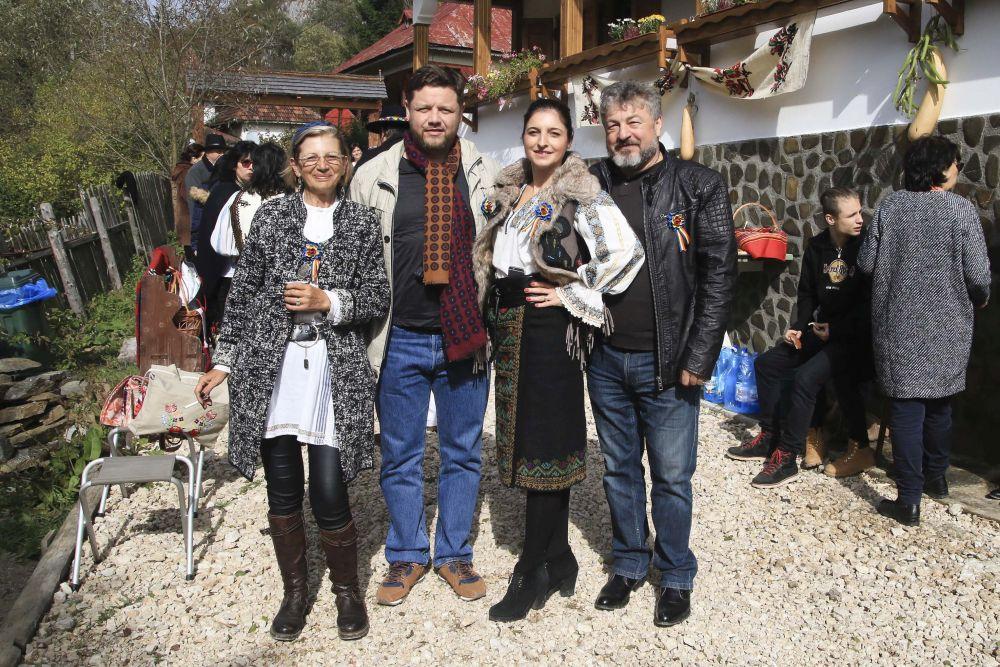 adelaparvu.com despre casa traditional romaneasca Dambovicioara, judetul Arges, arh. Sorin Istudor, designer Marinela Filip (4)