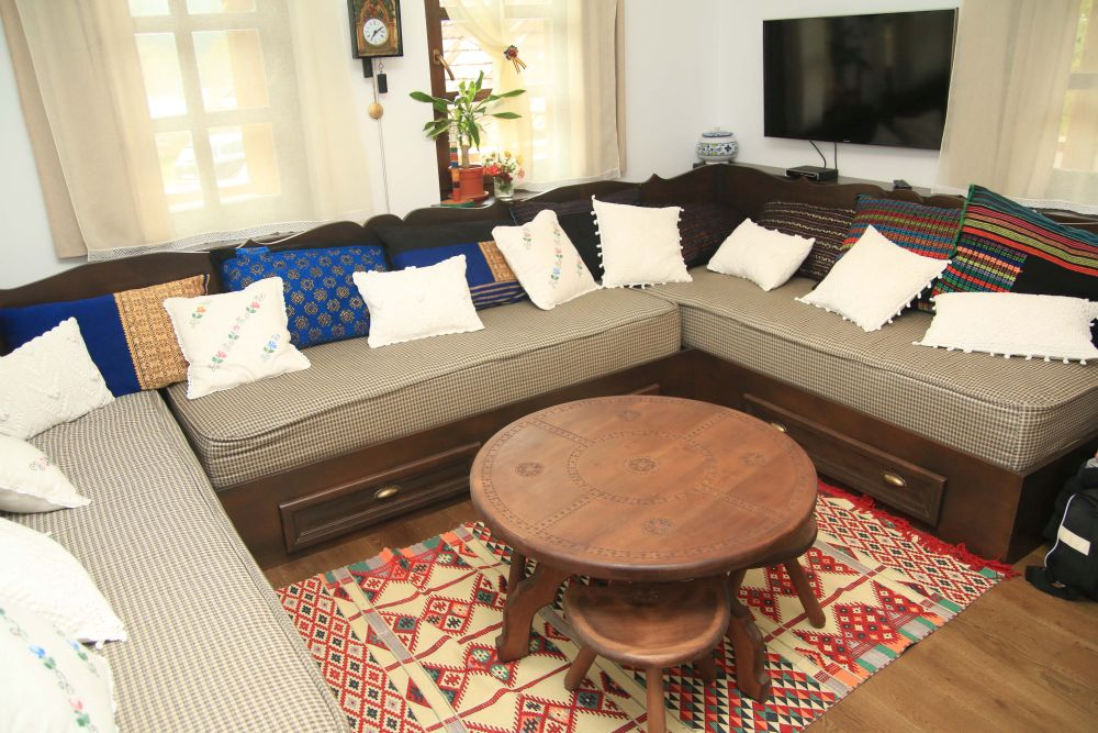 adelaparvu.com despre casa traditional romaneasca Dambovicioara, judetul Arges, arh. Sorin Istudor, designer Marinela Filip (41)
