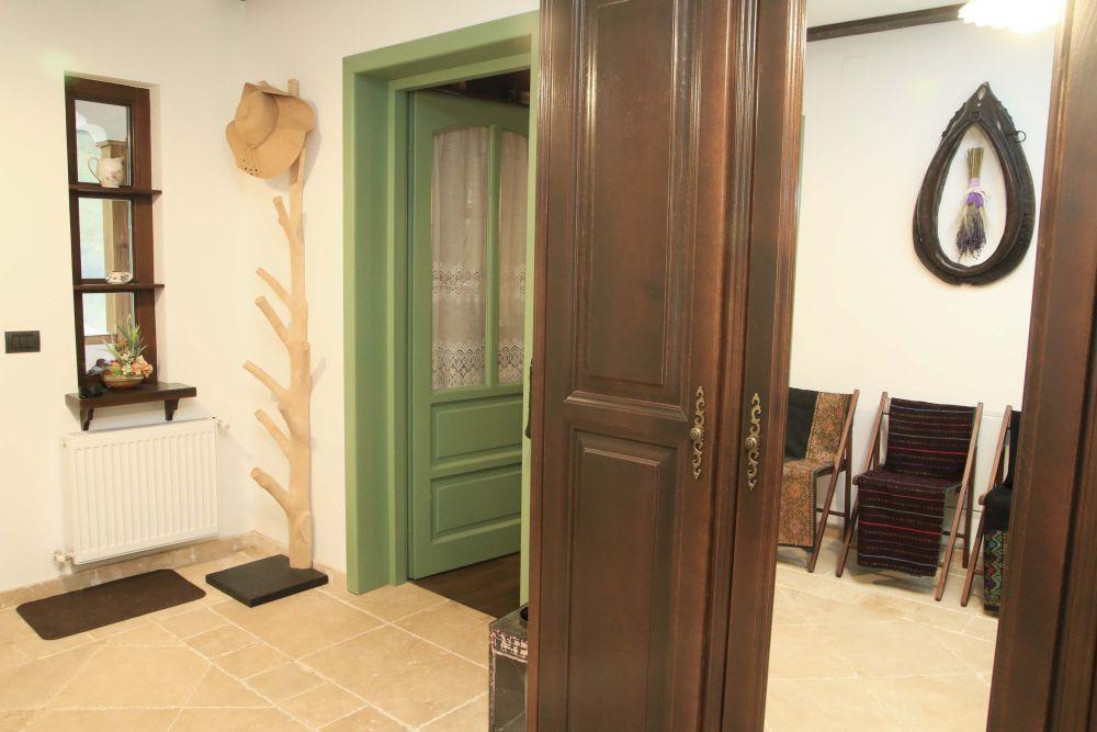 adelaparvu.com despre casa traditional romaneasca Dambovicioara, judetul Arges, arh. Sorin Istudor, designer Marinela Filip (53)