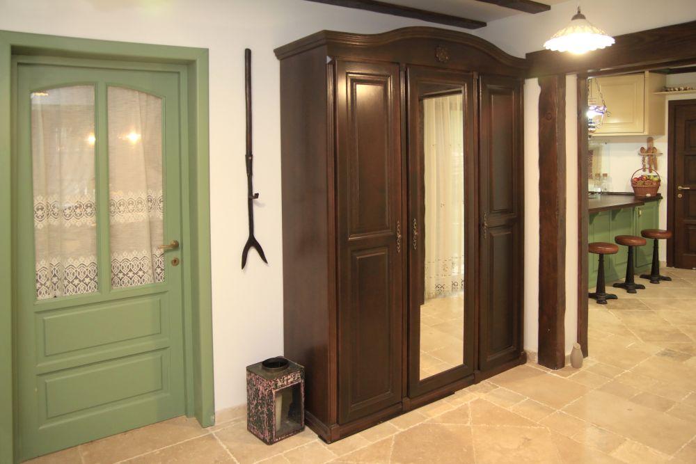 adelaparvu.com despre casa traditional romaneasca Dambovicioara, judetul Arges, arh. Sorin Istudor, designer Marinela Filip (55)