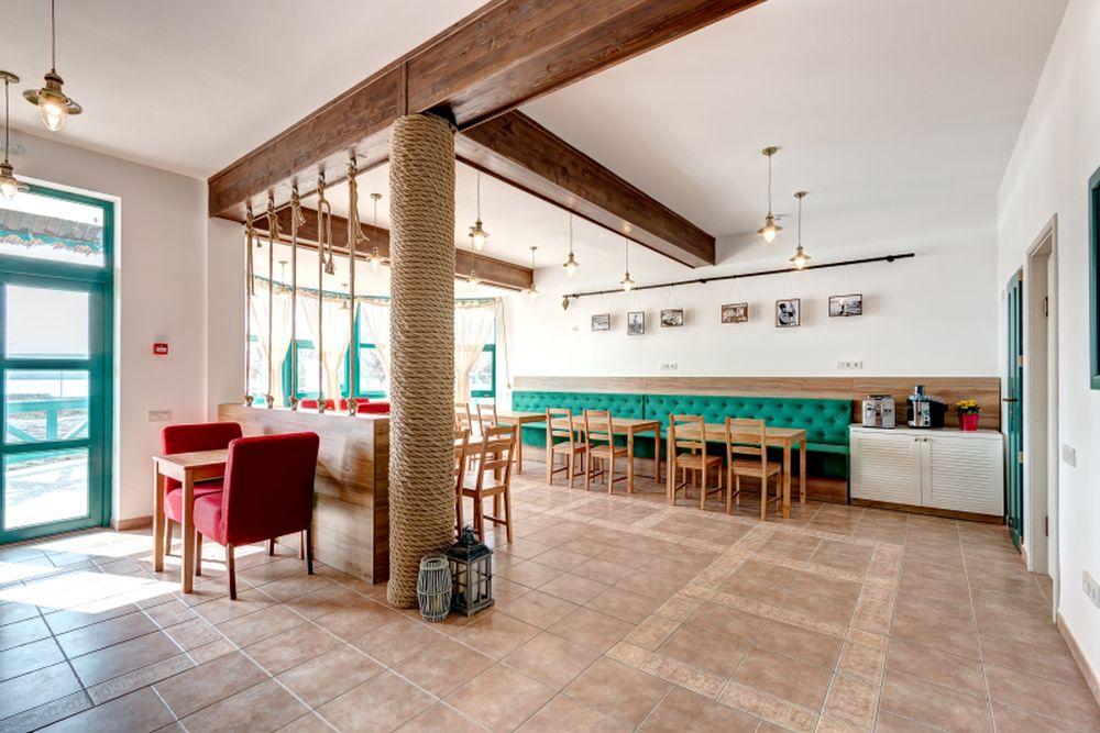 adelaparvu.com despre Pensiunea Iara, Delta Dunarii, Nufaru, arhitectura Luminita Arhire, design Monika Badulescu (8)