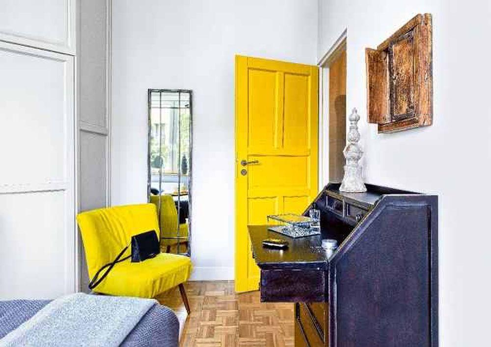 adelaparvu.com despre apartament cu accente de galben, designer Macieja Kocoja, Foto Mariusz Purta (8)
