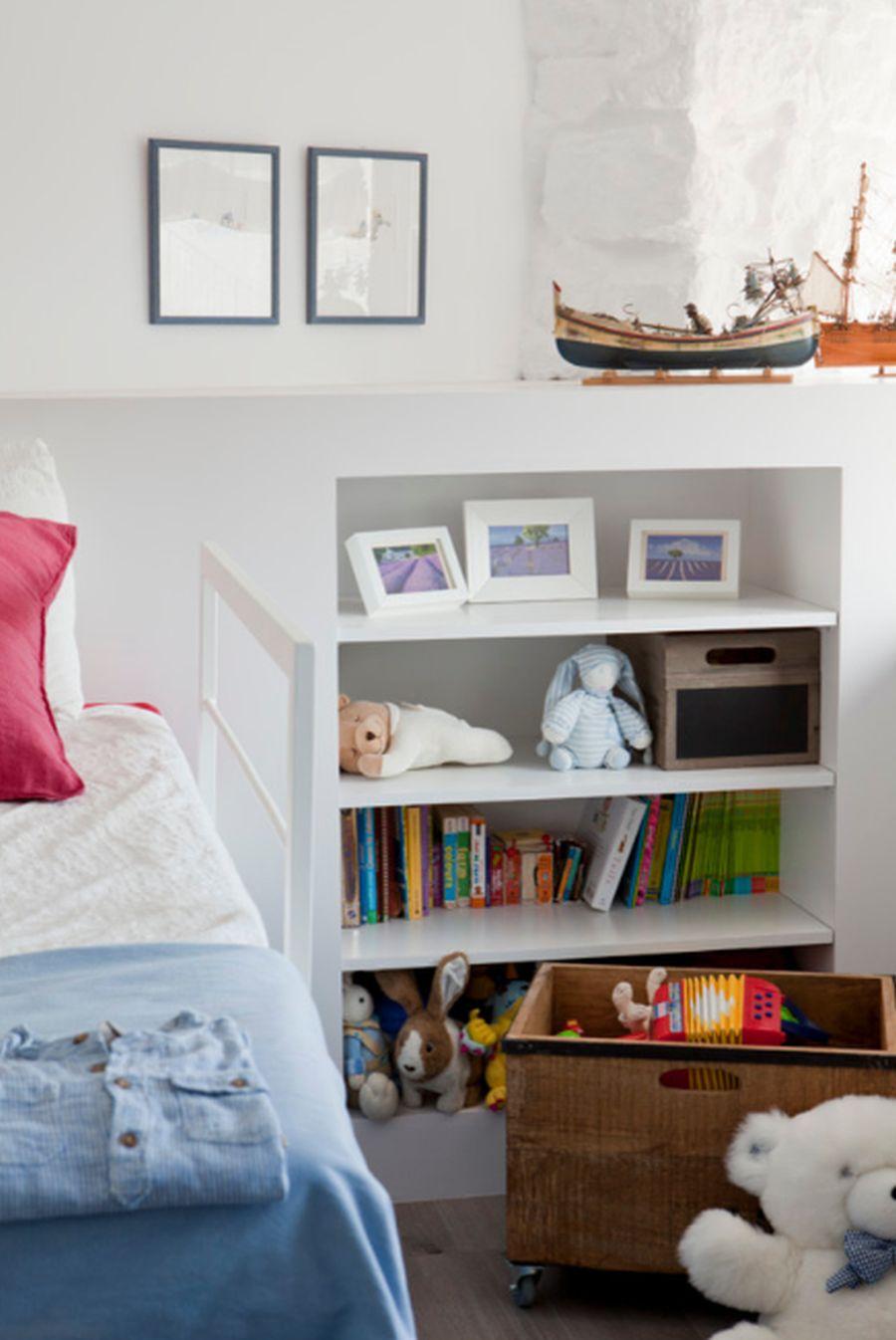 adelaparvu.com despre apartament duplex cu vedere la mare, Costa Brava, designer Pia Capdevila (15)