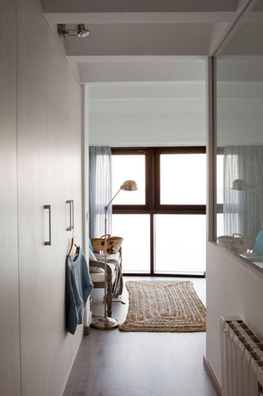 adelaparvu.com despre apartament duplex cu vedere la mare, Costa Brava, designer Pia Capdevila (20)