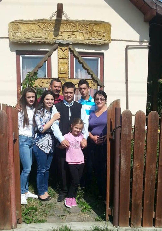 Familia Cismaș de la Ferma ecologică Țopa