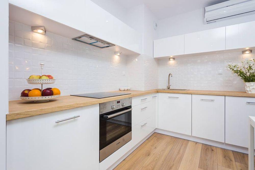 adelaparvu.com despre apartament 55 mp cu loc tv in centrul livingului, Design interior Justyna Lewicka Design (2)