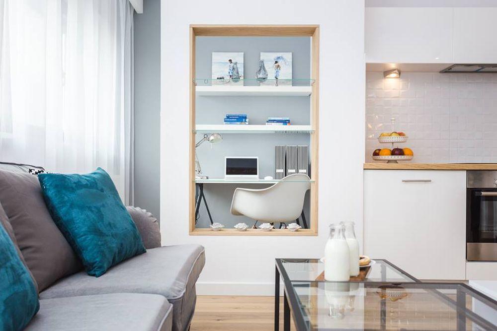 adelaparvu.com despre apartament 55 mp cu loc tv in centrul livingului, Design interior Justyna Lewicka Design (3)