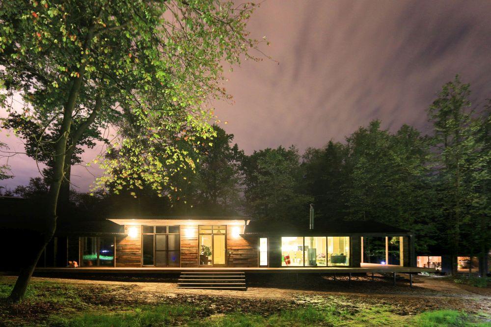 adelaparvu.com despre casa din lemn construita in 10 zile, 110 mp, arhitectura Bio Architects, constructie DublDom (21)