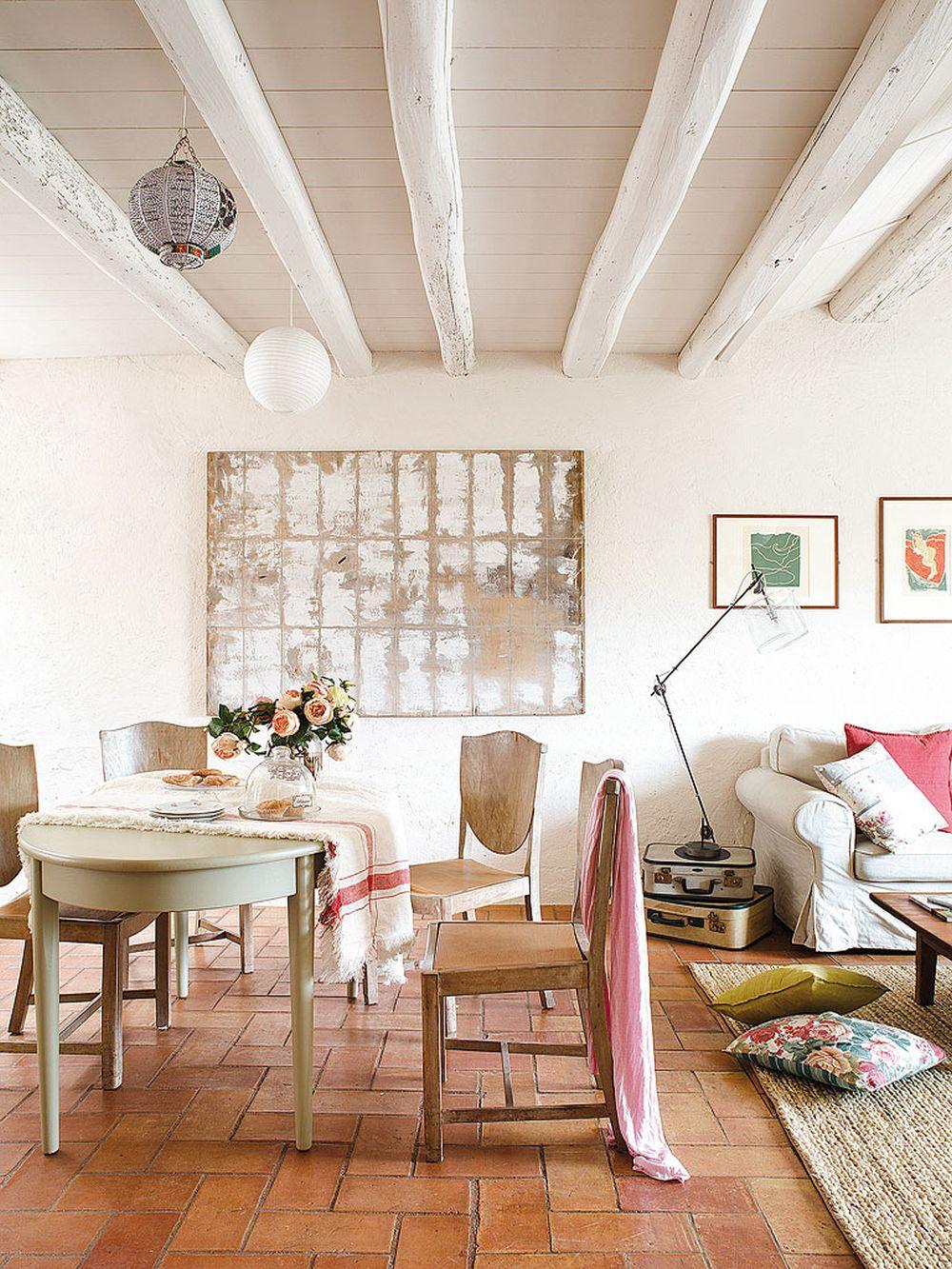 adelaparvu.com despre casa rustica cu pereti si plafoane albe, designer Josep Curanta, Foto MiCasa (3)