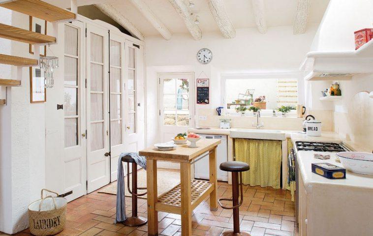 adelaparvu.com despre casa rustica cu pereti si plafoane albe, designer Josep Curanta, Foto MiCasa (5)