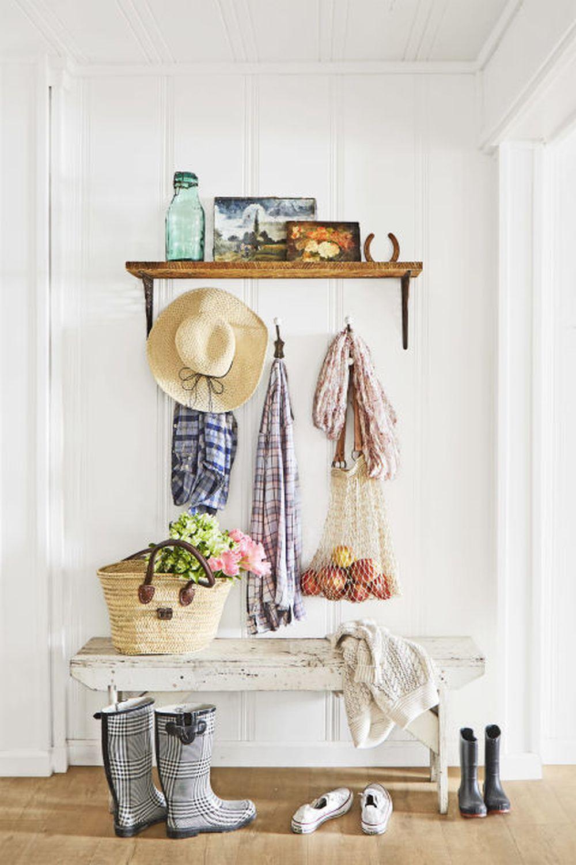 adelaparvu.com despre casa rustica renovata in alb, design Jenna Diermann, Foto Annie Schlechter (9)
