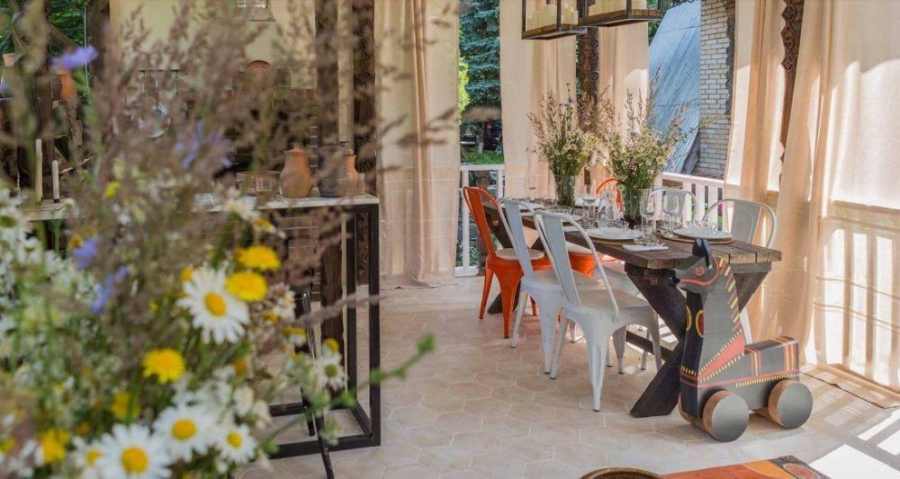 adelaparvu.com despre foisor cu bucatarie de vara amenajate in stil rustic, foisor Rusia, design Ekaterina Zorkaya, Foto Olga Olyushina (5)