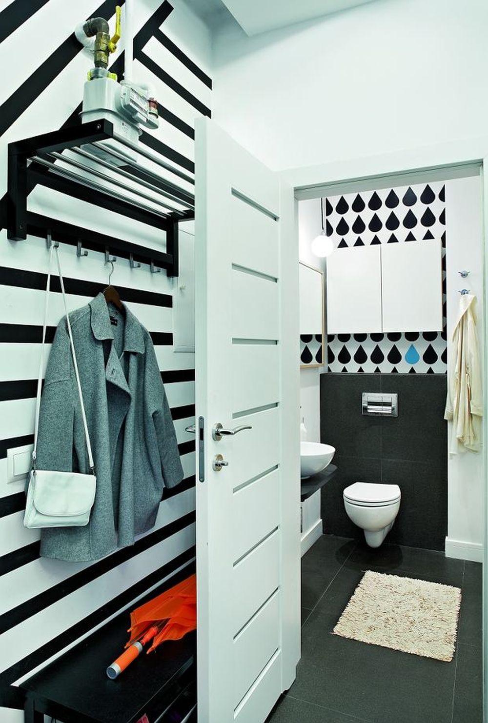 adelaparvu.com despre impartire garsoniera 35 mp in 2 camere, design Purple Work, Foto Michal Mutor (12)