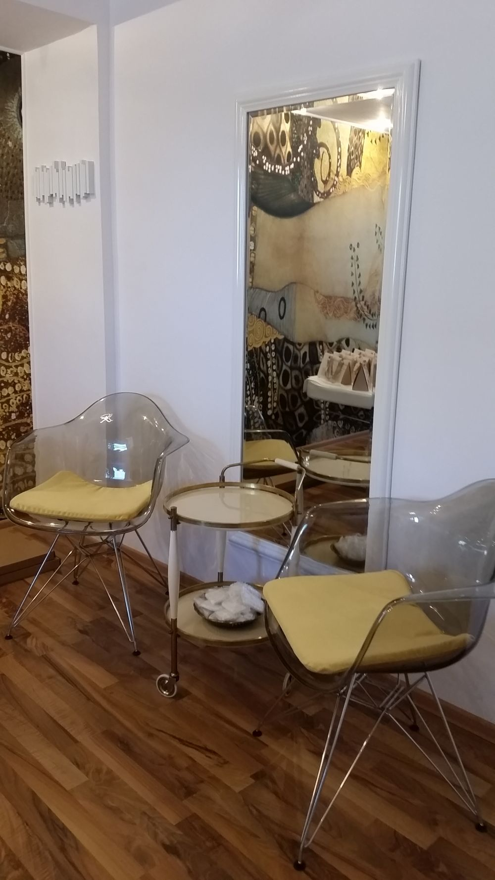 adelaparvu.com despre salon de cosmetica Elena Miron Estet Studio, designer Marinela Filip (11)