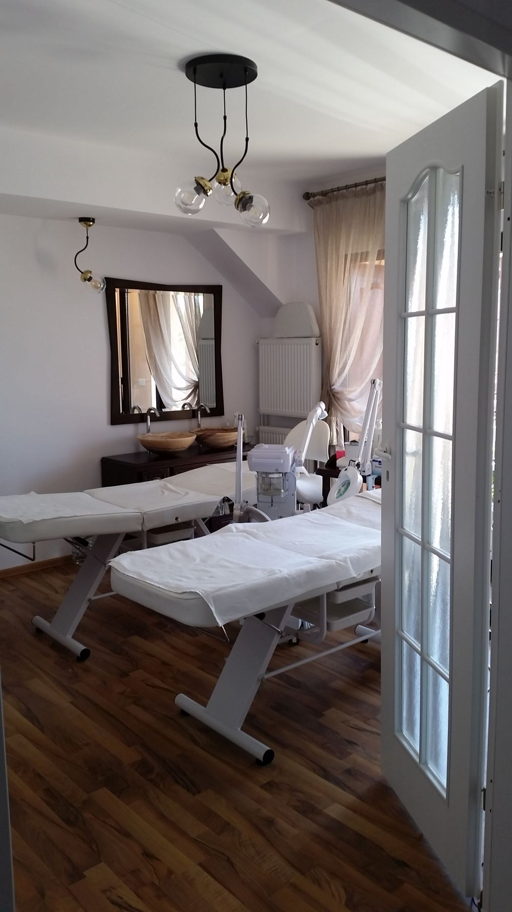 adelaparvu.com despre salon de cosmetica Elena Miron Estet Studio, designer Marinela Filip (7)