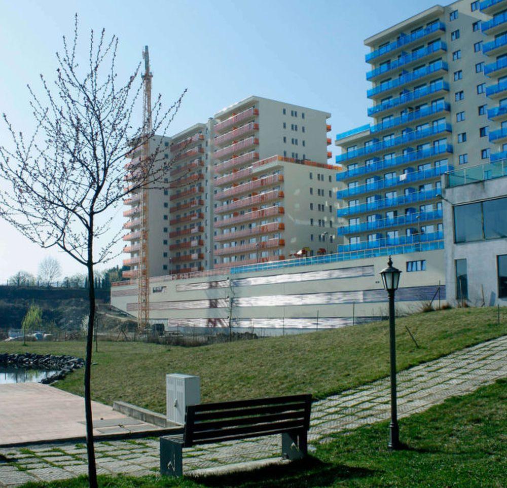 adelaparvu.com despre blocuri cu ziduri rezistente la foc BCA Macon, Viva Resindece Cluj-Napoca (2)