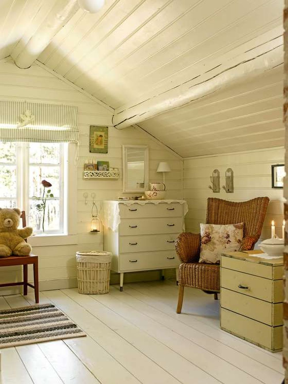 adelaparvu.com despre cabana in padure cu interior romantic, Foto Erik Jæger (11)