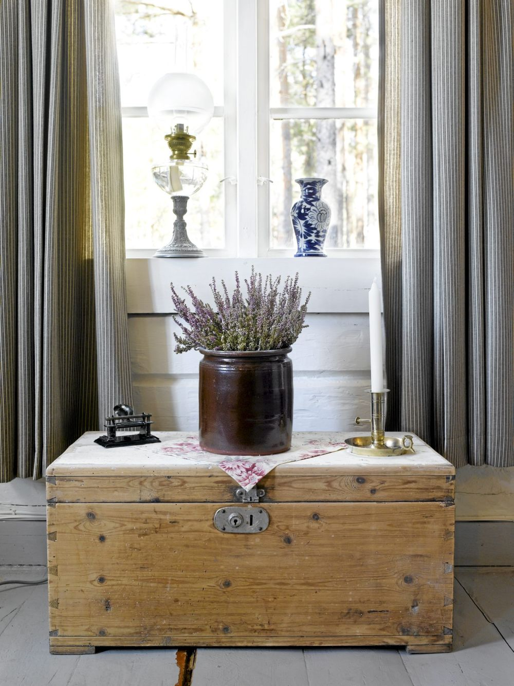 adelaparvu.com despre cabana in padure cu interior romantic, Foto Erik Jæger 18