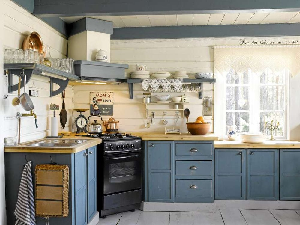adelaparvu.com despre cabana in padure cu interior romantic, Foto Erik Jæger (6)