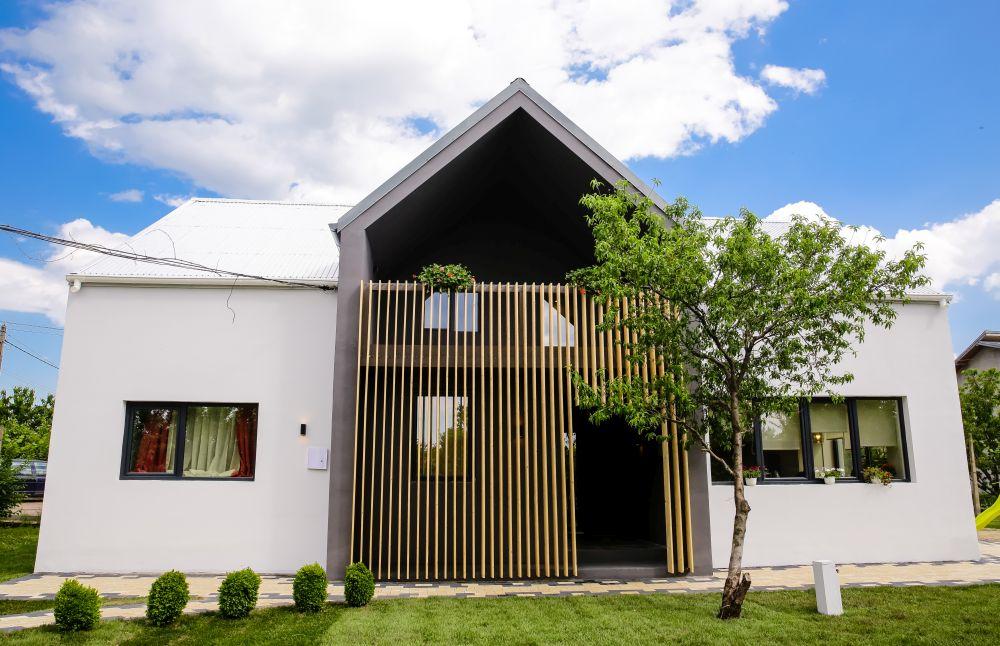 adelaparvu.com despre renovarea casei familie Motrogan, ep 2, sez 4 Visuri la cheie, Fatada 3 (1)