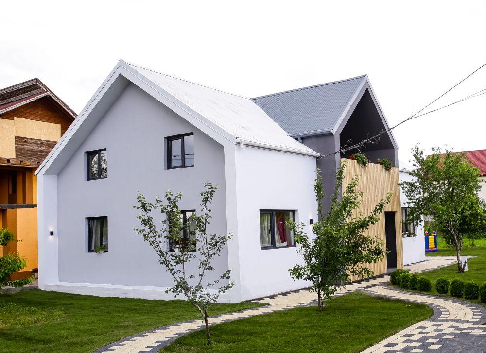 adelaparvu.com despre renovarea casei familie Motrogan, ep 2, sez 4 Visuri la cheie, Fatada 3 (3)