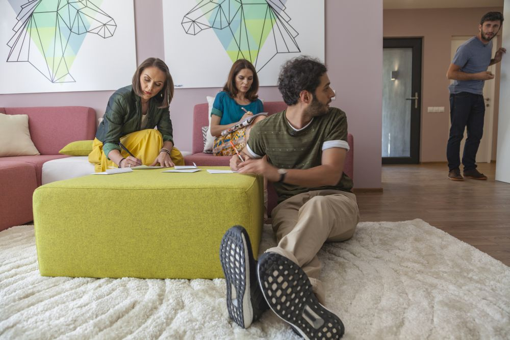 adelaparvu.com despre renovarea casei familie Motrogan, ep 2, sez 4 Visuri la cheie, foto echipa si familia (1)