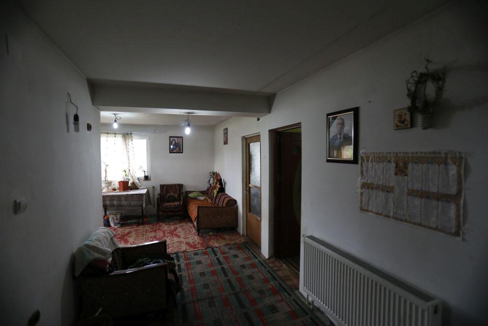 adelaparvu.com despre renovarea casei familie Motrogan, ep 2, sez 4 Visuri la cheie, hol casa, Foto Razvan Lupica (3)
