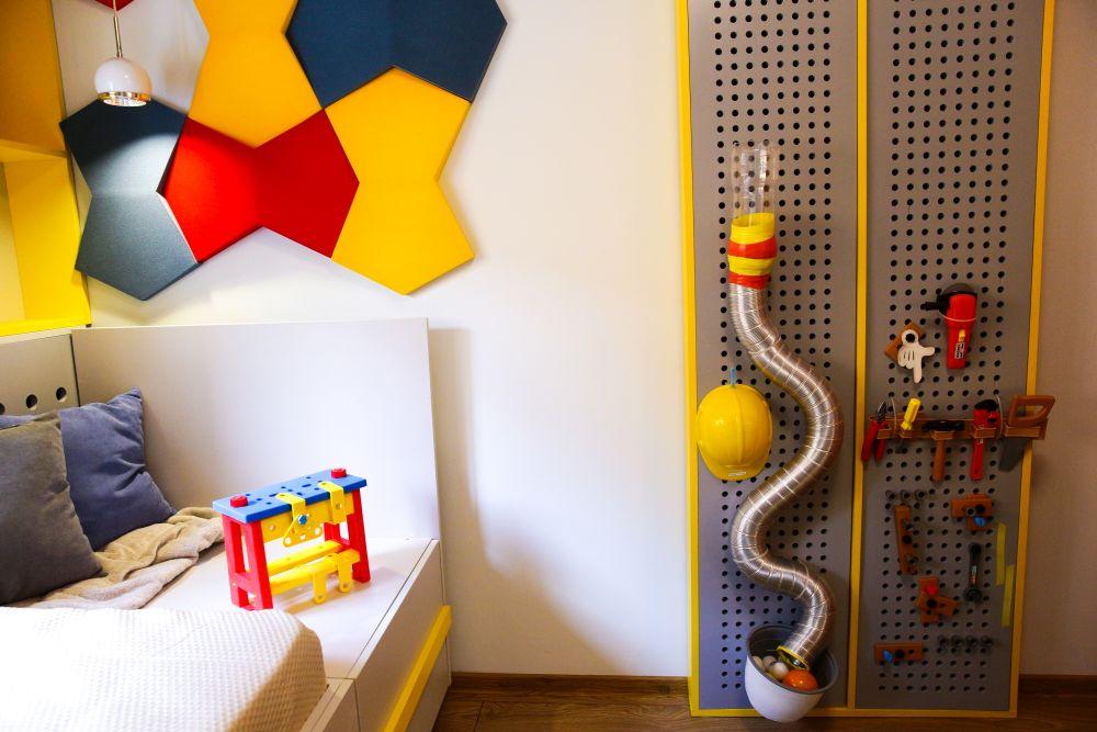 adelaparvu.com despre renovarea casei familiei Motrogan, Urziceni, ep 2, sez 4 Visuri la cheie, camera baiat, Foto Razvan Lupica (2)