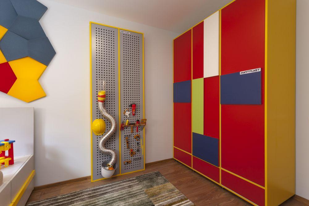 adelaparvu.com despre renovarea casei familiei Motrogan, Urziceni, ep 2, sez 4 Visuri la cheie, camera baiat, Foto Sever Popescu (2)