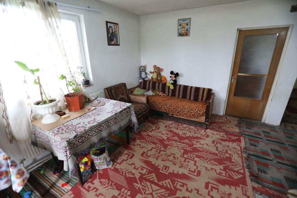 adelaparvu.com despre renovarea casei familiei Motrogan, Urziceni, ep 2, sez 4 Visuri la cheie, camera fata inainte, Foto Razvan Lupica