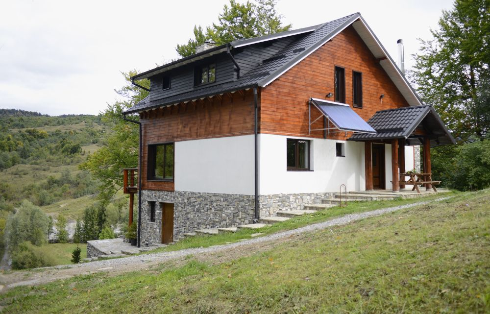 adelaparvu.com despre cabana de unte, Valea Doftana, Cabana Sub Bai, Foto Corneliu David (4)