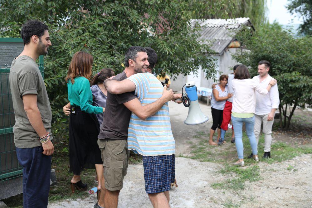 I-am îmbrățișat pe toți și am încercat să-i liniștim, să-i asigurăm că totul va fi bine.