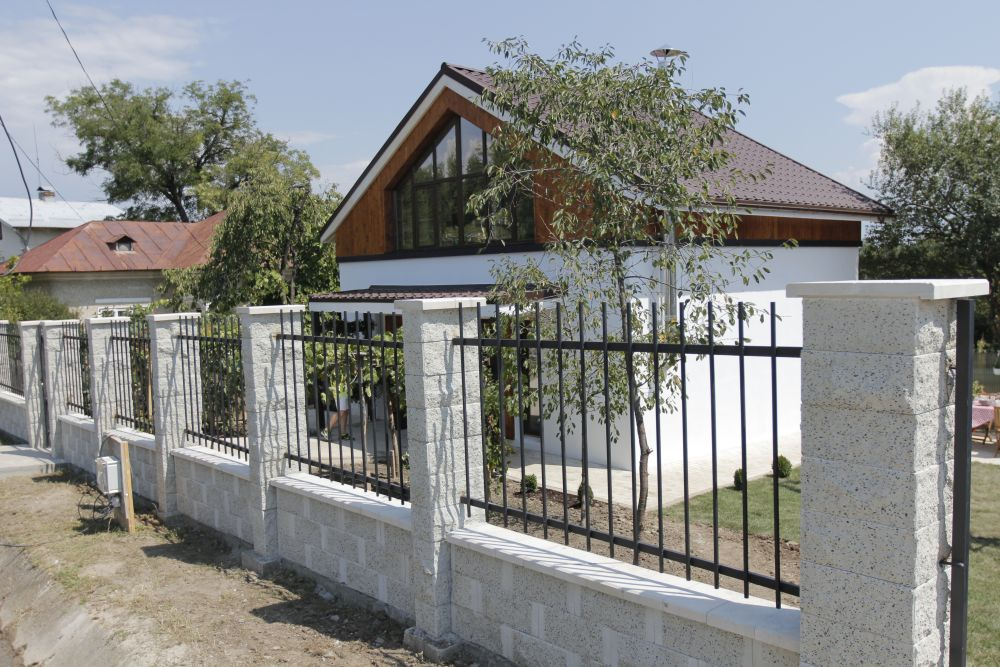 adelaparvu.com despre casa familiei Marinoiu, episodul 6, sezonul 4, Visuri la cheie, Foto ProTV, exterior (11)