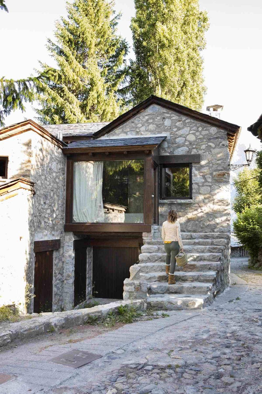 adelaparvu.com despre casa la munte, Pirinei, Spania, arhitect Tote Moreno, Foto Pepa Oromi (2)